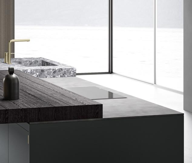 Cucina elegante in finitura ottone | Worktop - Anuba | MITON Cucine