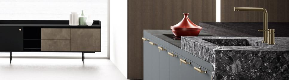 Cucina elegante in finitura ottone | Monoblocco Lavello - Anuba | MITON Cucine