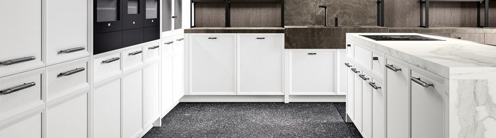 Cucina moderna bianco laccato e nero opaco | Maniglia - Levante | MITON Cucine